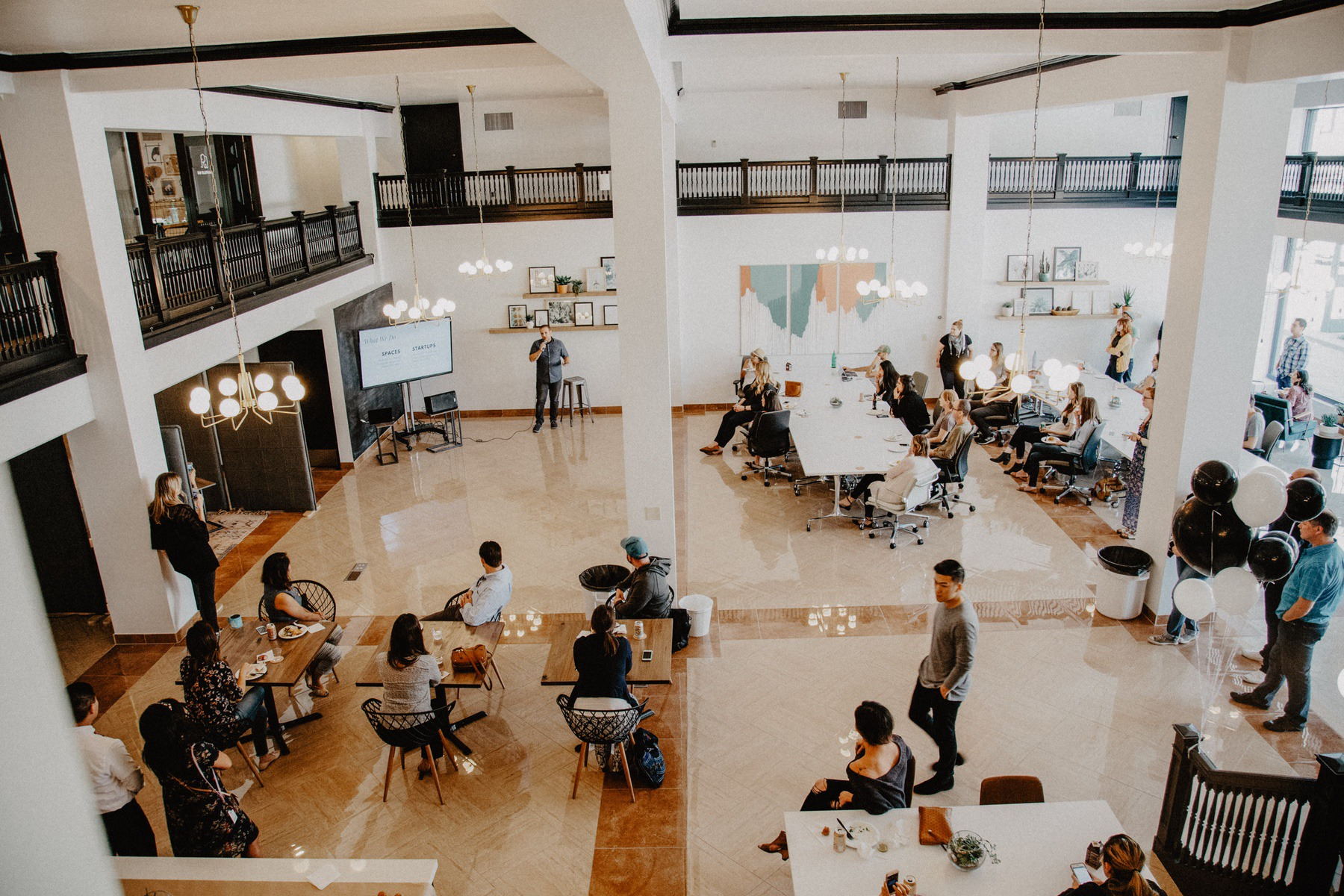 WHY ALL FREELANCERS SHOULD JOIN A CO-WORKING SPACE - YELLOW CO.